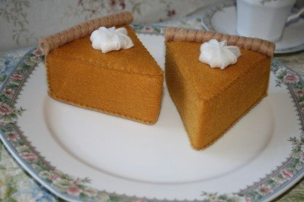 felt-pumpkin-pie